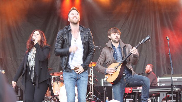 Lady Antebellum change name and sue black woman already using it